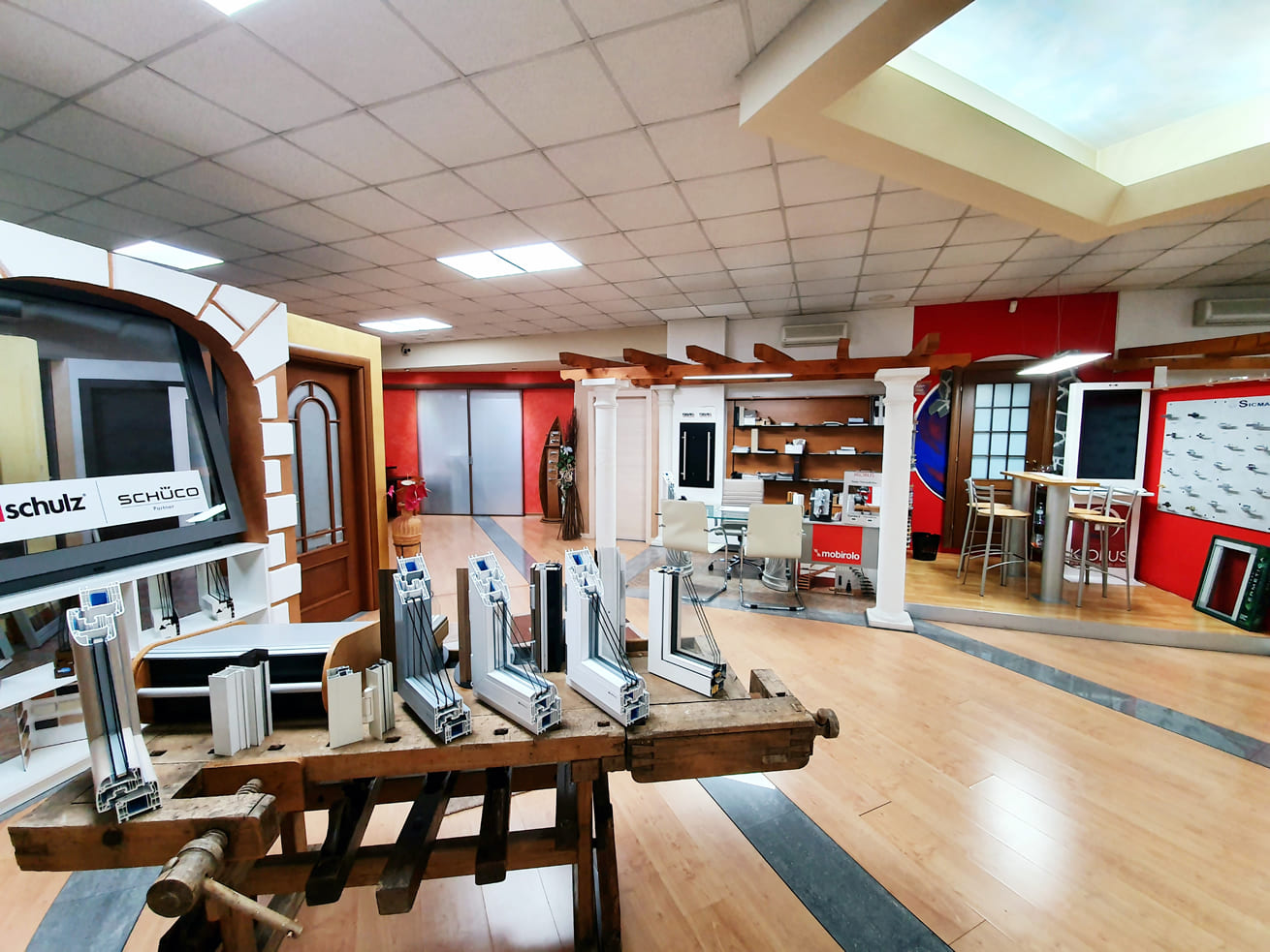 ufficio centro serramenti valceresio